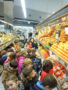 colegio aleman, Deutsche Schule San Alberto Magno, San Sebastian, colegio concertado, los peques en el supermercado