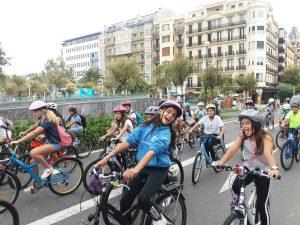 alumnado de 2º ESO del Deutsche Schule participa en la bicicletada