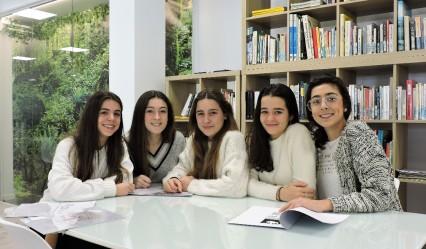 alumnas finalistas del concurso STARTInnova