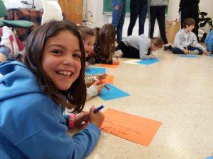 alumnado de 3º EP del colegio aleman de San Sebastián en las actividades organizadas por Tabakalera sobre Periferias escolares