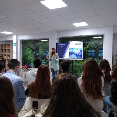 alumnado de bachillerato del Deutsche Schule participa en los talleres de marketing de ESIC